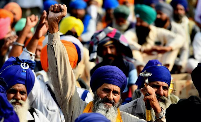 Farmer leaders refuse Centre's offer to put farm laws on hold, demand repeal