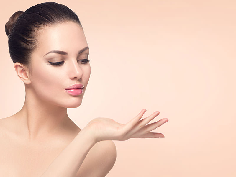 5 Simple Makeup Tips for Girls with Dry Skin in Winter