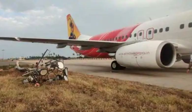 Mishap avoided at Vijayawada airport as Air India flight hits an electric pole