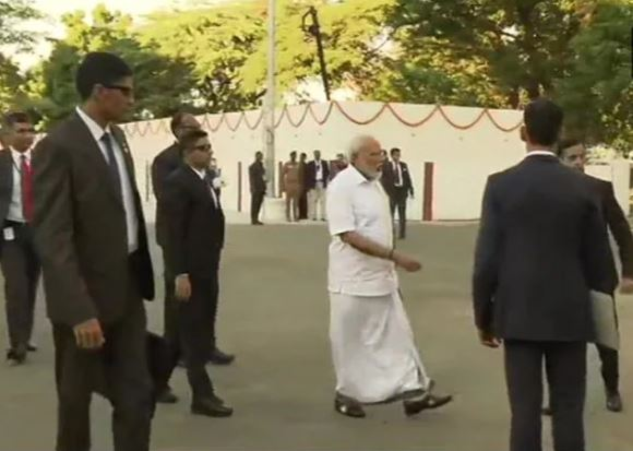 """PM Modi regrets not learning the world's oldest language """"Tamil"""""""