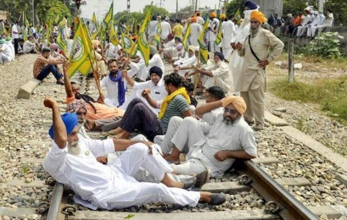 Farmers pledge to intensify stir; Unions gear up for 'Rail Roko' protest