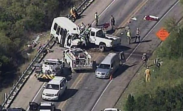 At least 6 people killed in 130-vehicle pileup on icy Texas interstate