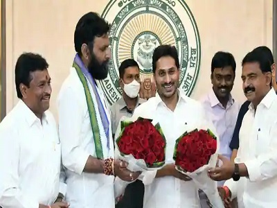 It's YSRCP all the way in Andhra civic polls; TDP draws a virtual blank
