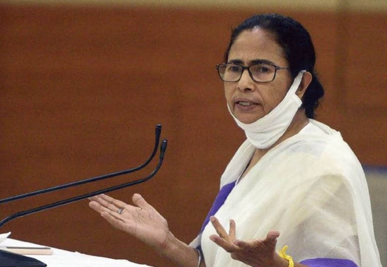 "Mamata calls Cooch Behar killings ""genocide"", lashes out at EC for suppressing facts"