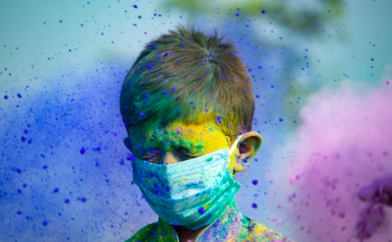 Don't let this pandemic ruin your Holi, Here is your guide to play safe Holi!