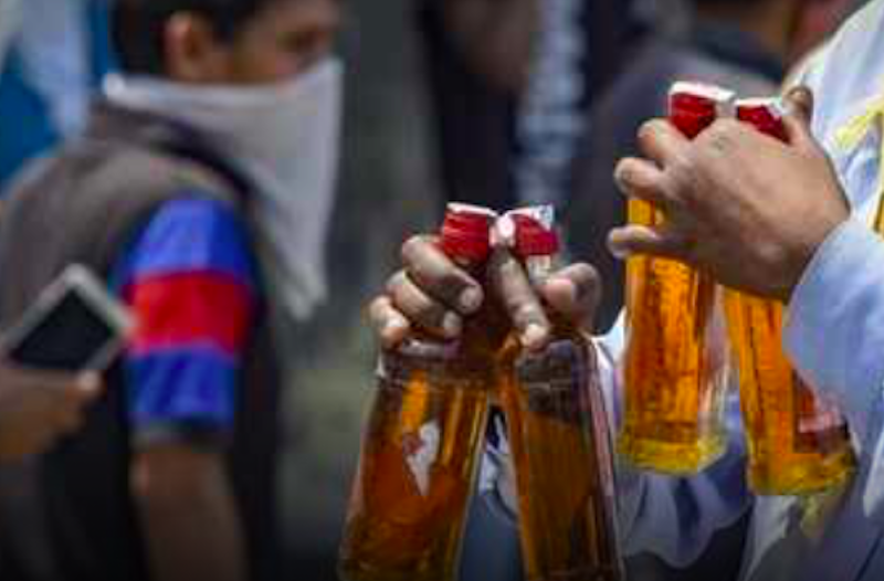 Delhi cuts legal drinking age to 21, announces excise reforms for more revenue