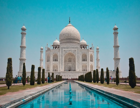 Taj Mahal temporarily shut, tourists evacuated over bomb scare ,search reveals it to be a hoax