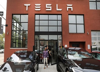 Tesla to hire 10,000 people for Texas plant, college degree not mandatory