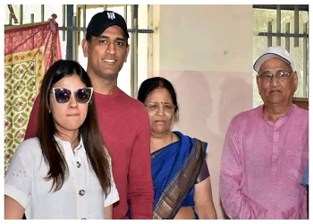 MS Dhoni's parents test positive for Covid-19, hospitalised in Ranchi