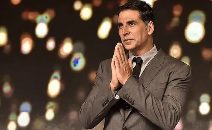 Akshay Kumar gets back home after being hospitalised for COVID, wifey Twinkle drops a post