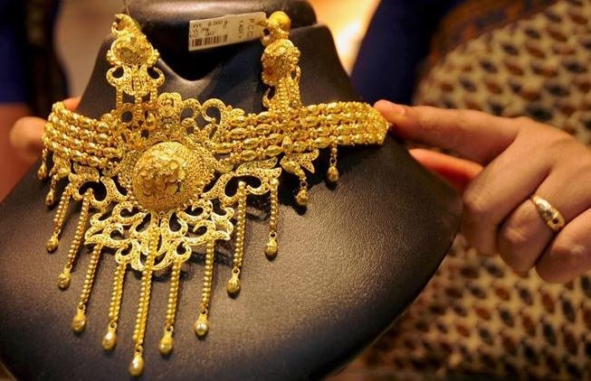 Gold prices fall sharply for 2nd consecutive day, silver rates tumble too