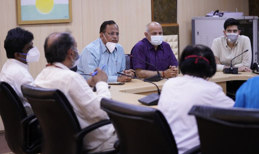 Delhi govt appoints 10 IAS officers as nodal officers for Covid hospitals