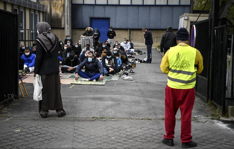 Interior Minister of France calls for security at mosques after recent vandalism events