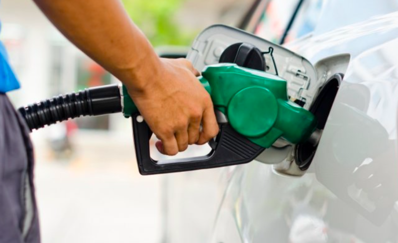 Petrol prices go past ₹100 in Delhi, Kolkata, Check fuel rates after today's hike