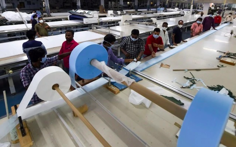 PMI manufacturing improves in April stimulated by new export orders