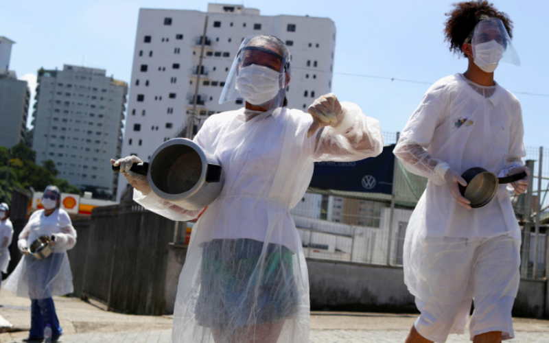 Brazilians took to streets, bang pots in protest as 2,500 more die of COVID-19