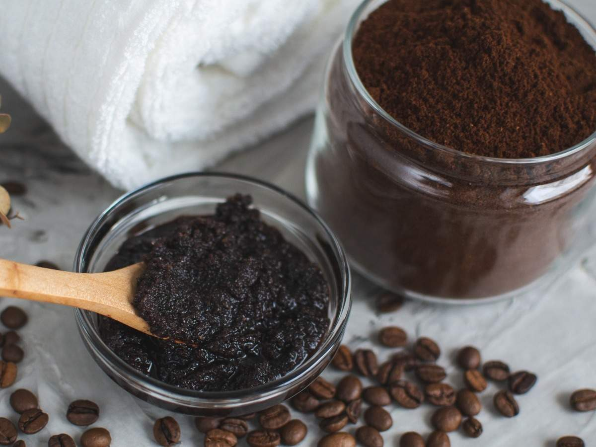 Benefits of applying coffee for skin care