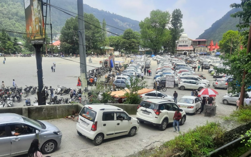 Covid-19: Over 8,000 tourist vehicles sent back from Mussoorie, Nainital