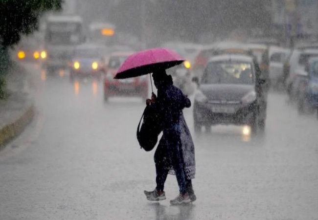 IMD issues Red, Orange alert for two states, predicts heavy rain for next 24 hrs