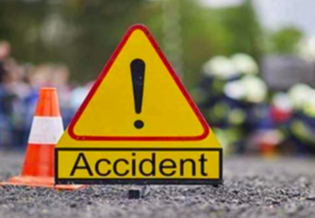 Bus carrying Congress workers collides, three killed, 40 others injured