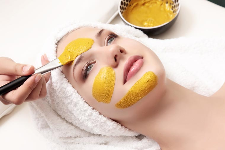 4 Effective DIYs of besan to get clear skin: Study