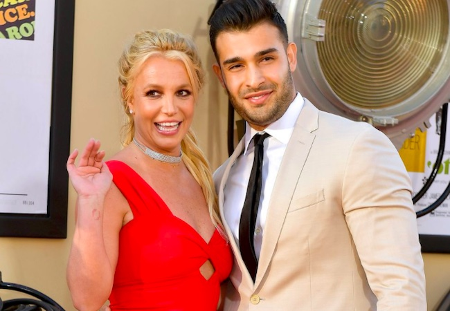 Britney Spears gets engaged to boyfriend Sam Asghari, flaunts bling on her ring