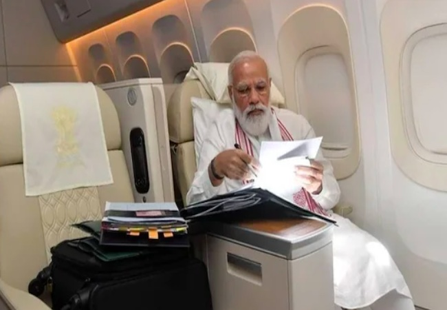 Comparing Modi's foreign flight pic with Manmohan's Cong says 'harder to copy'