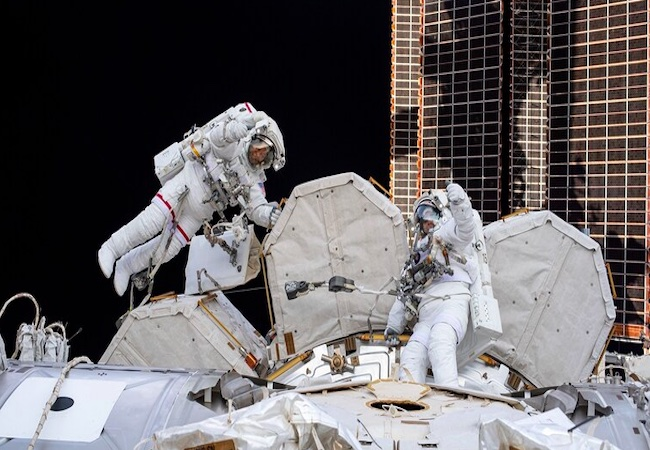 Emergency in Space: Smoke fire alarms go off on ISS, force cosmonauts to take 7hrs spacewalk