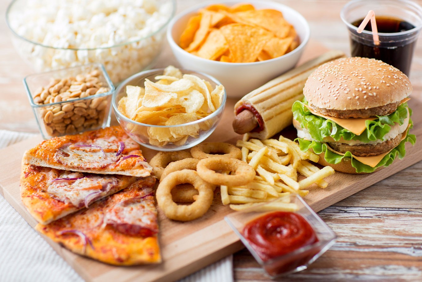 Weekly consumption of fast food can cause heart disease: Expert