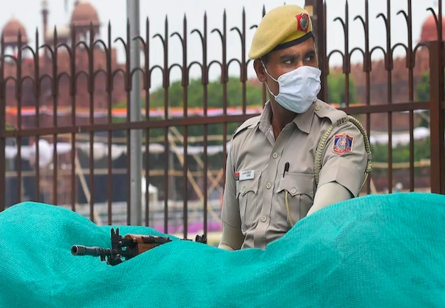 ISI module busted by Delhi Police trained by Pak army officers: Report