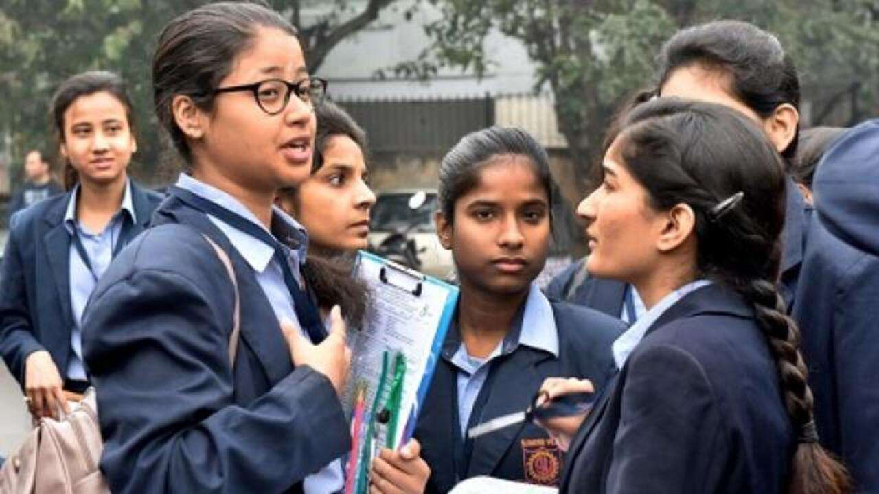Maharashtra govt to reopen colleges and universities from Oct 20 | Deets here